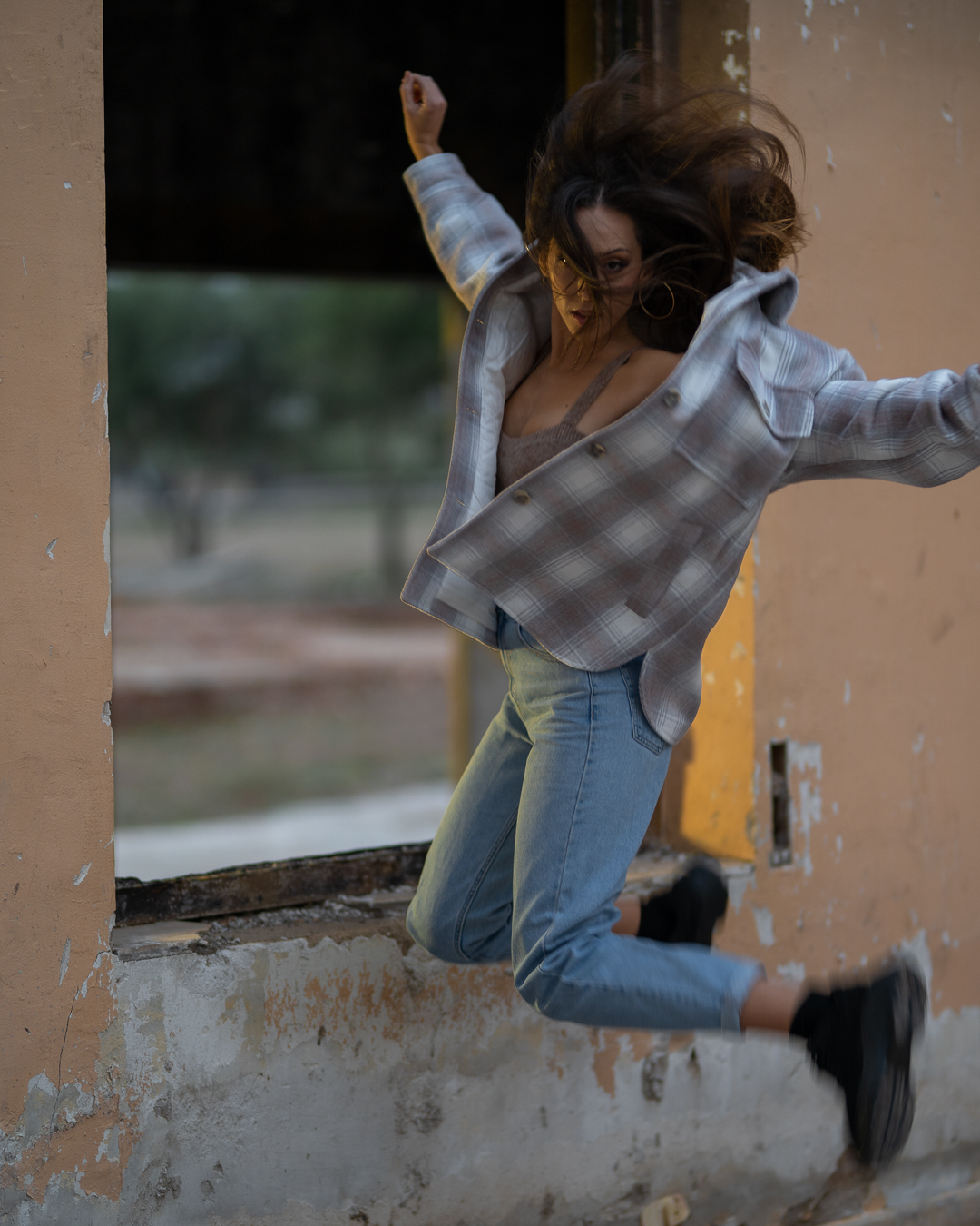 Sesión fotográfica modelo Gemma Ortega por Carlos Navarro Prat – Estudio Pliegues